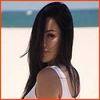 Mia Lopez, a japinha turbinada mais safadinha do Instagram